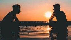 Amizade à distância: como demonstrar o sentimento e manter o contato com amigos distantes