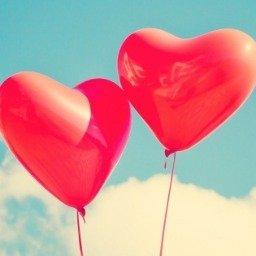 50 frases de aniversário para namorada que vão colocar um sorriso no rosto e no coração dela