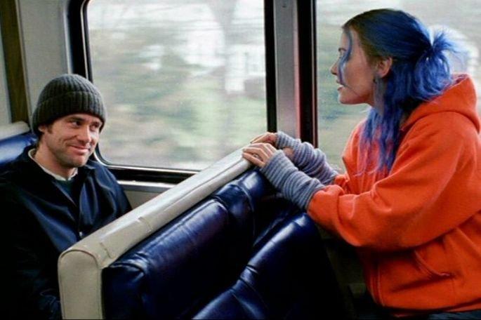 Brilho eterno de uma mente sem lembranças é dirigido por Michel Gondry, com roteiro de Charlie Kaufman. Os atores principais são Jim Carrey Kate Winslet.