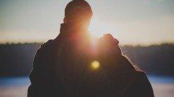 40 frases para fotos com namorado que vão derreter o coração dele