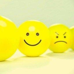 Maneiras de ser mais feliz: pequenas mudanças que podem trazer muita felicidade