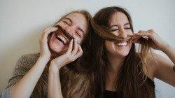10 qualidades de uma pessoa amiga