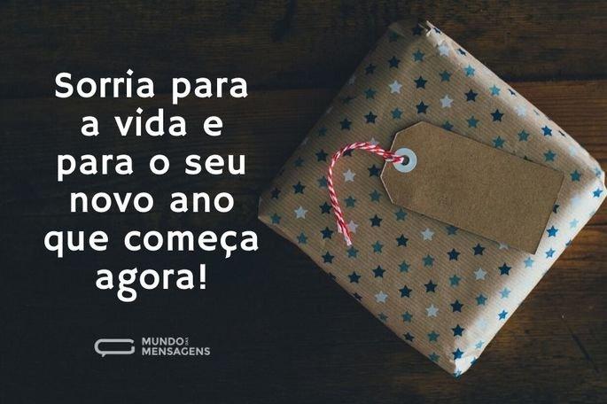 Sorria para a vida e para o seu novo ano que começa agora!
