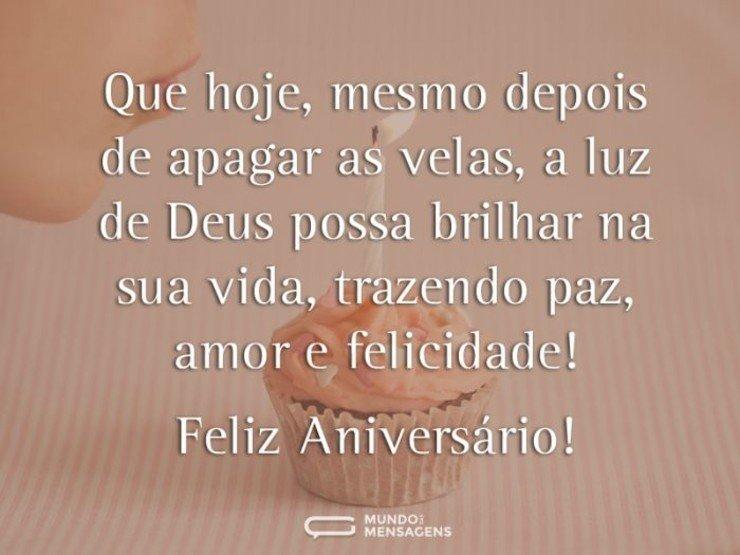 Feliz Aniversário Deus possa brilhar na sua vida